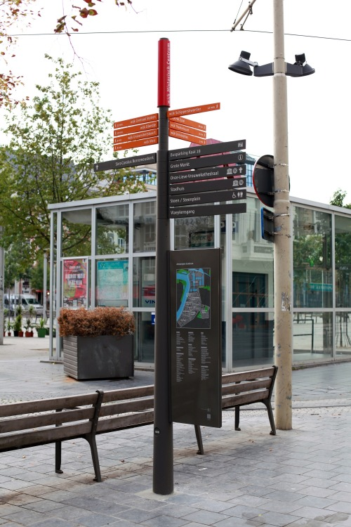 Wayfinding and Typographic Signs - antwerp-city-information-pole