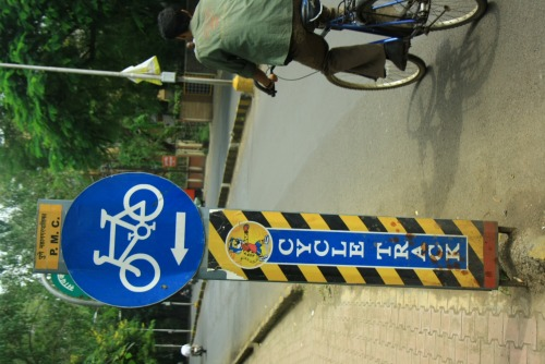 Wayfinding and Typographic Signs - cycle-track-
