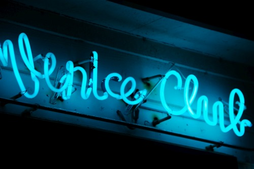 Wayfinding and Typographic Signs - venice-club
