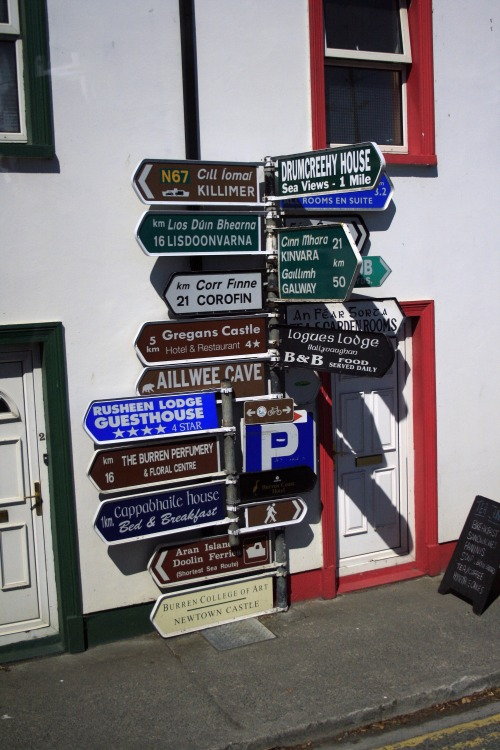 Wayfinding and Typographic Signs - lost-in-ireland