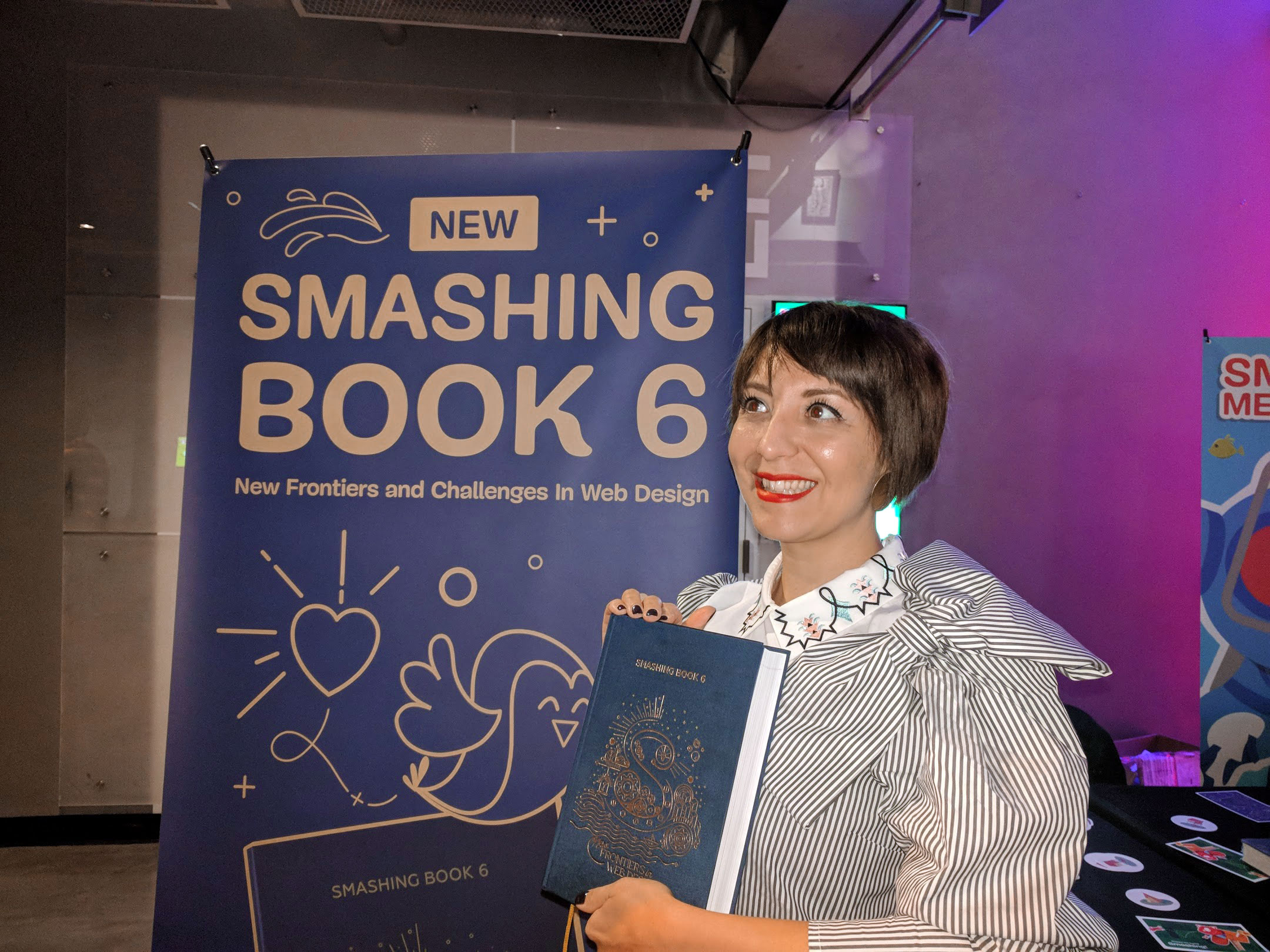 Chiara shows off her work for the cover of Smashing Book 6 35c7353600b71