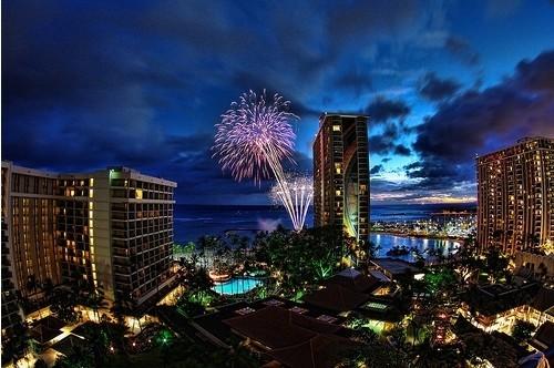 Fireworks Photos - Waikiki Fireworks