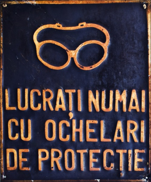 Wayfinding and Typographic Signs - safety-vintage-glasses