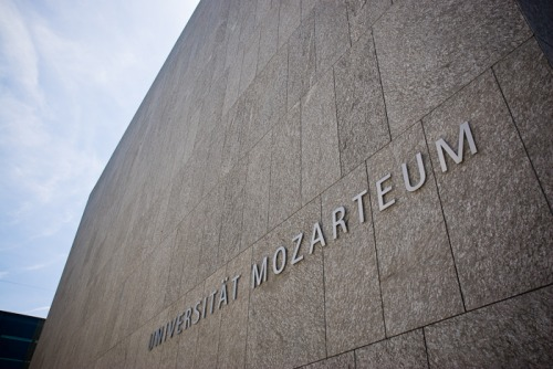 Wayfinding and Typographic Signs - mozarts-university