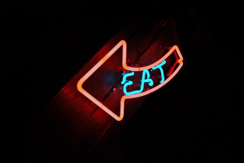 Wayfinding and Typographic Signs - eat-here
