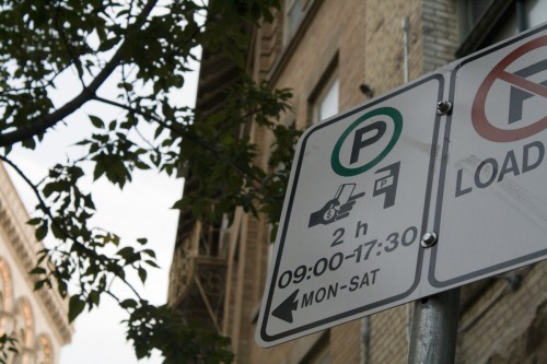 Wayfinding and Typographic Signs - parking-without-words