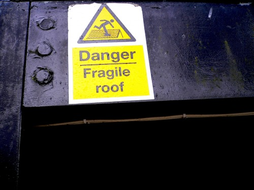 Wayfinding and Typographic Signs - danger-fragile-roof