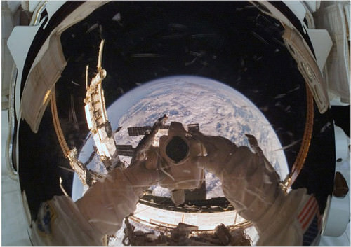 Mind-Blowing Photos - Astronaut Self-shot Over Earth