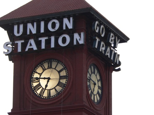 Wayfinding and Typographic Signs - union-station---go-by-train