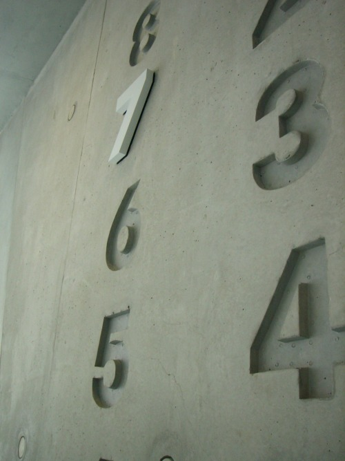 Wayfinding and Typographic Signs - lucky-number-7