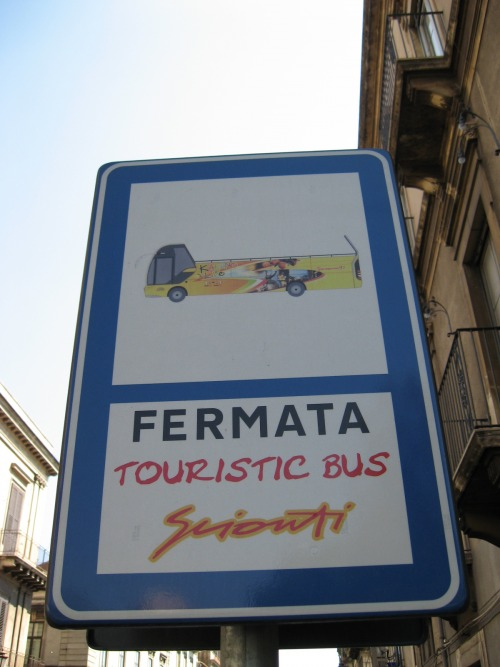 Wayfinding and Typographic Signs - touristic-bus