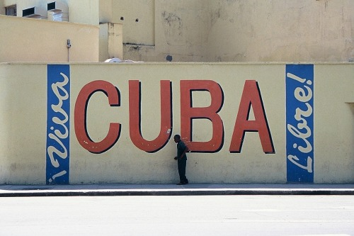 Wayfinding and Typographic Signs - cuba-libre
