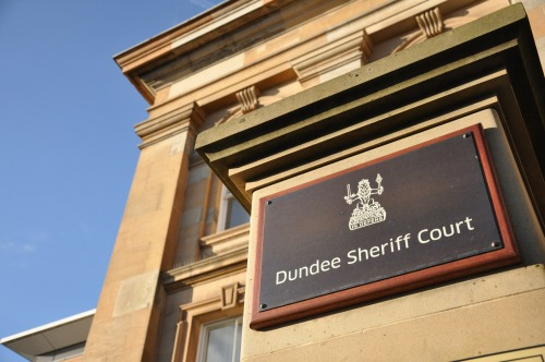 Wayfinding and Typographic Signs - dundee-sheriff-court