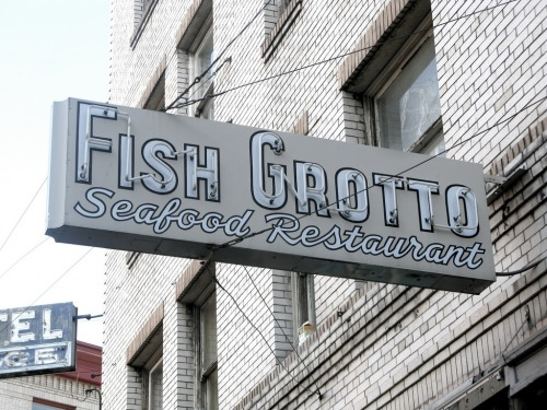 Wayfinding and Typographic Signs - fish-grotto