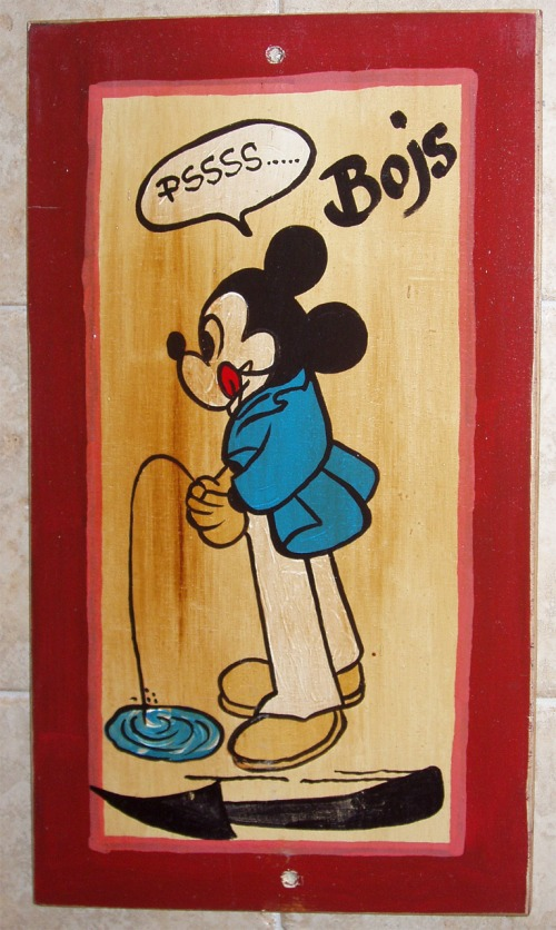 Wayfinding and Typographic Signs - mickey-mouse-boys-room