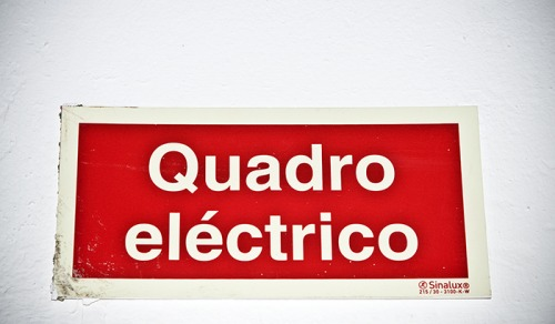 Wayfinding and Typographic Signs - electric-frame