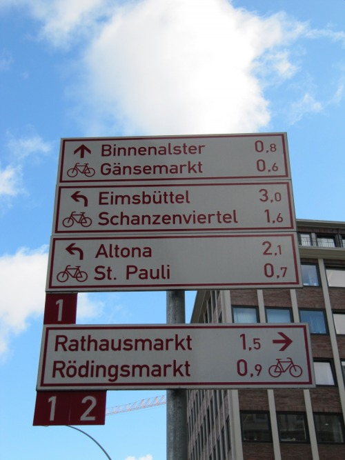 Wayfinding and Typographic Signs - hamburg-by-car-and-bike