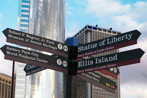 Wayfinding and Typographic Signs - new-york-tourism