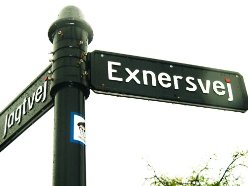Wayfinding and Typographic Signs - exnersvej
