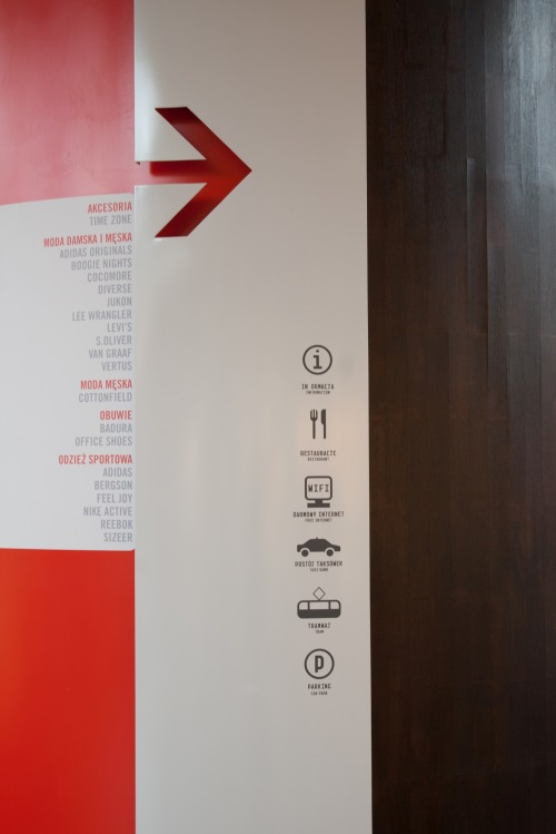 Wayfinding and Typographic Signs - manufaktura-inside