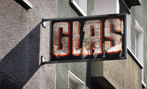 Wayfinding and Typographic Signs - glas