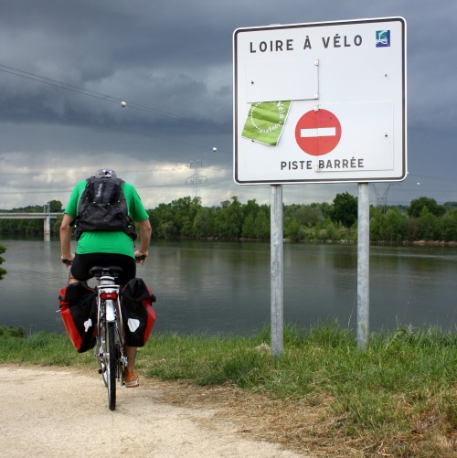 Wayfinding and Typographic Signs - bike-braves-floods