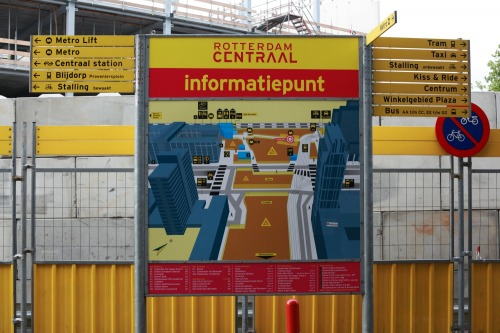 Wayfinding and Typographic Signs - rotterdam-central-station-information-point