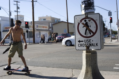 Wayfinding and Typographic Signs - use-crosswalk