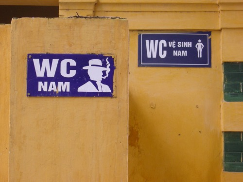 Wayfinding and Typographic Signs - different-toilets-for-different-men-style