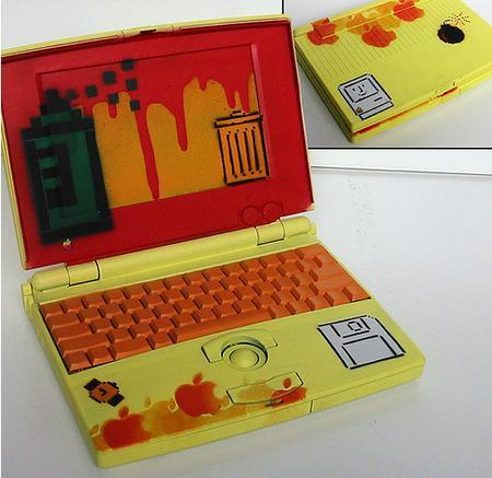 Laptop Designs - SattaMac - 1991 PowerBook 100