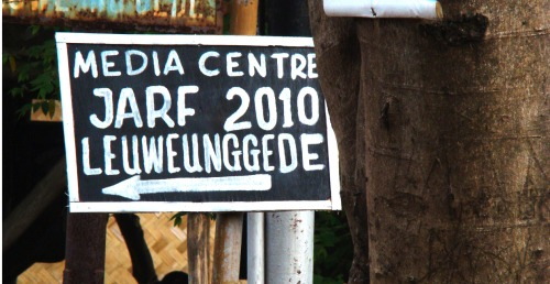 Wayfinding and Typographic Signs - media-centre-for-jarf-2010-at-leuweunggede