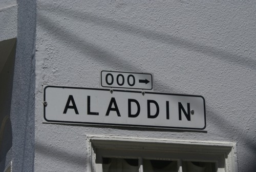 Wayfinding and Typographic Signs - aladdin