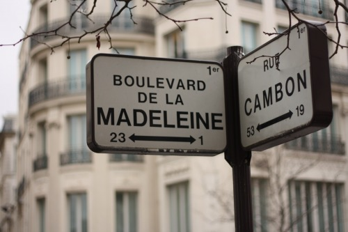 Wayfinding and Typographic Signs - paris-street-signs