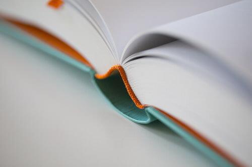 The sewn binding of Smashing Book 5