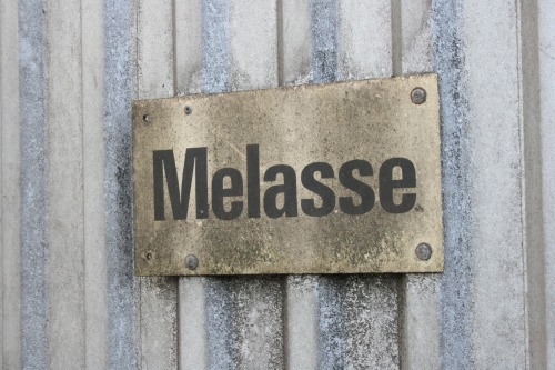 Wayfinding and Typographic Signs - melasse