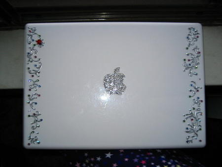 Laptop Designs - Rhinestoning a laptop