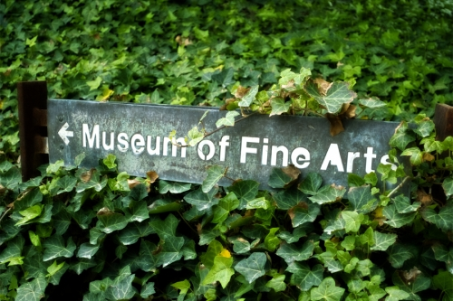 Wayfinding and Typographic Signs - museum-of-fine-arts