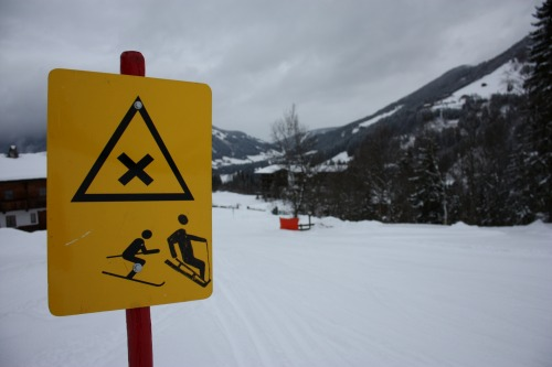 Wayfinding and Typographic Signs - ski-piste