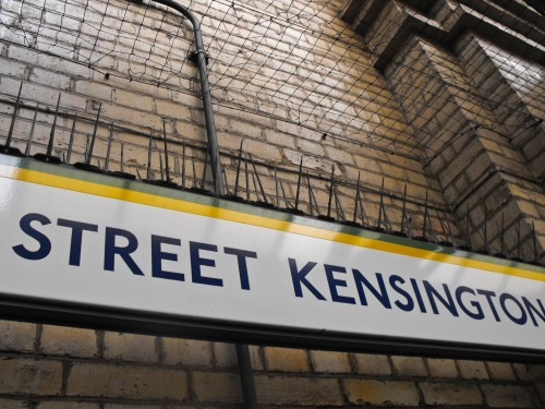 Wayfinding and Typographic Signs - street-kensigton-subway-station-london