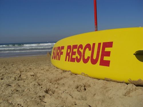 Wayfinding and Typographic Signs - manly-beach-surf-rescue