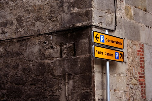 Wayfinding and Typographic Signs - signal-in-corner
