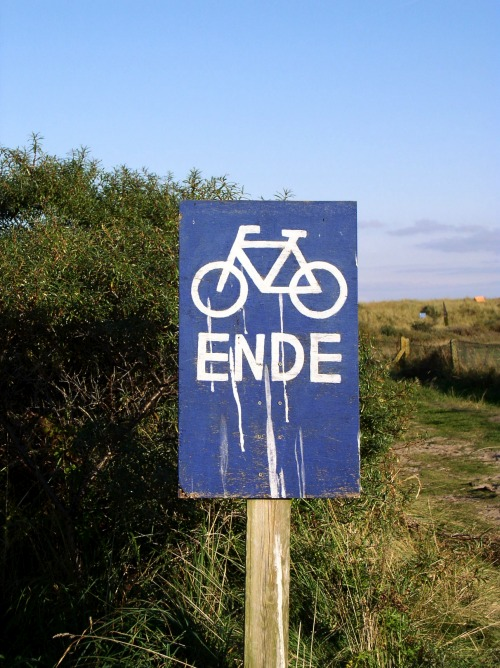 Wayfinding and Typographic Signs - end-of-cyclepath-juist-2005