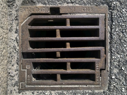 Wayfinding and Typographic Signs - drain-square