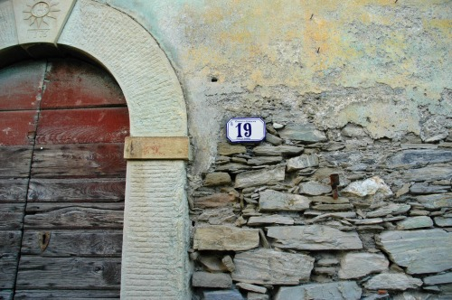 Wayfinding and Typographic Signs - pruno-19
