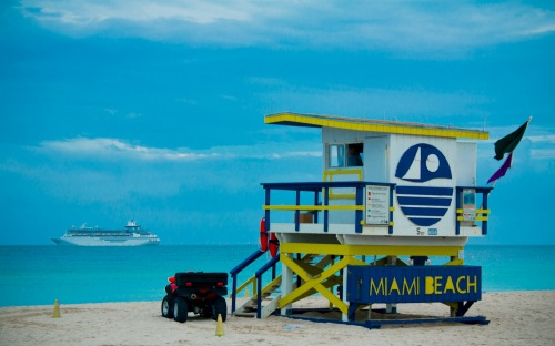 Wayfinding and Typographic Signs - miami-beach