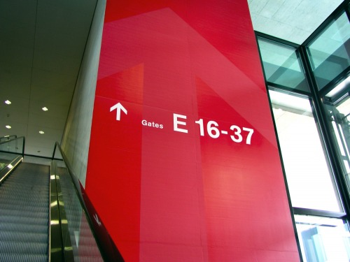 Wayfinding and Typographic Signs - signage-dock-e-zurich-3