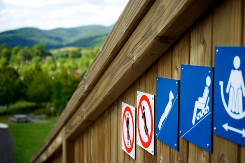 Wayfinding and Typographic Signs - tobogganing-instruction-icons