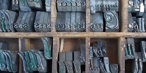Script Metal Type