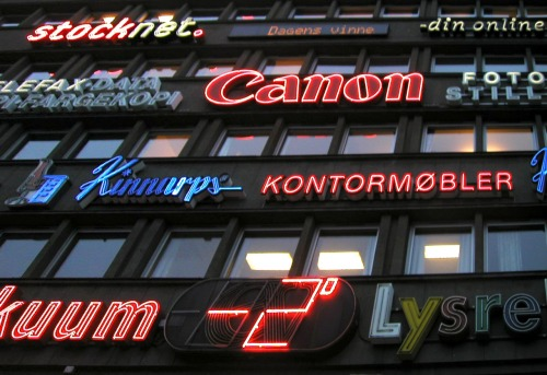 Wayfinding and Typographic Signs - oslo-neon