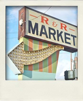 Wayfinding and Typographic Signs - r&r-market